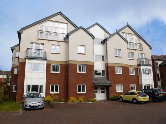 2 bedroom apartment to rent in Troon