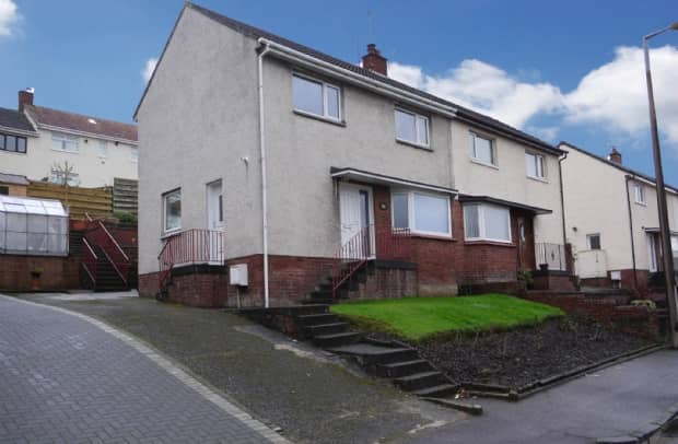 4 bedroom semi-detached house to rent in Ayr